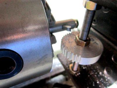 gear-cutting-2.jpg
