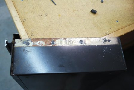 5 - Cutting Out Spoptwelded drawer Slide.jpg