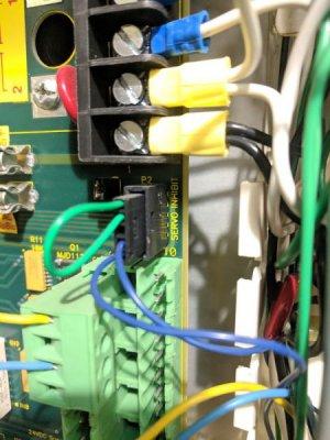 Servo Inhibit, hooked to blue wire 5 tach.jpg