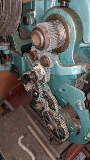 atlas lathe 3 gears.jpg