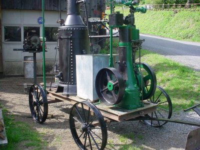 Magee Steam engine.JPG