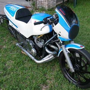 The paint scheme was an idea I had to mimic a 1979 Wes Cooley Suzuki limited edition, sort of like my modern version for a drag bike.